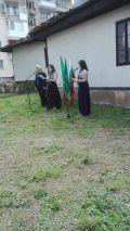 Ботеви стихотворения в двора на къщата музей Никола Войводов - СУ Никола Войводов - Враца