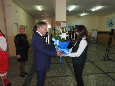 Среща с евродепутата Владимир Уручев - СУ Никола Войводов - Враца